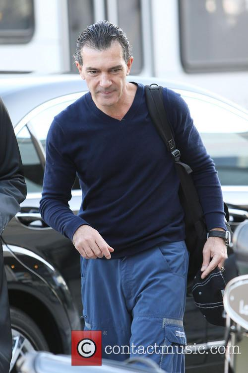 Antonio Banderas, Airport and Air France International 22