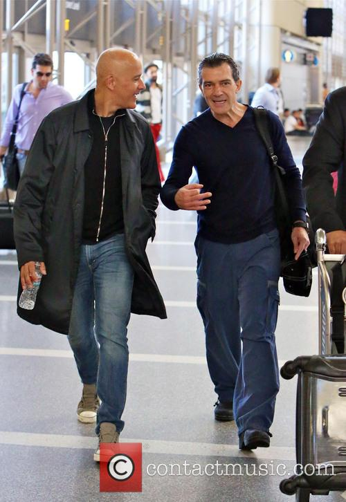 Antonio Banderas, Airport and Air France International 1