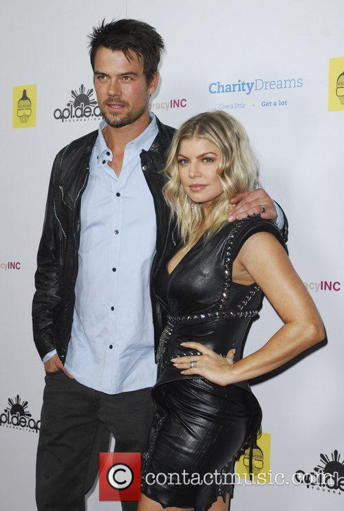 Josh Duhamel and Fergie 4