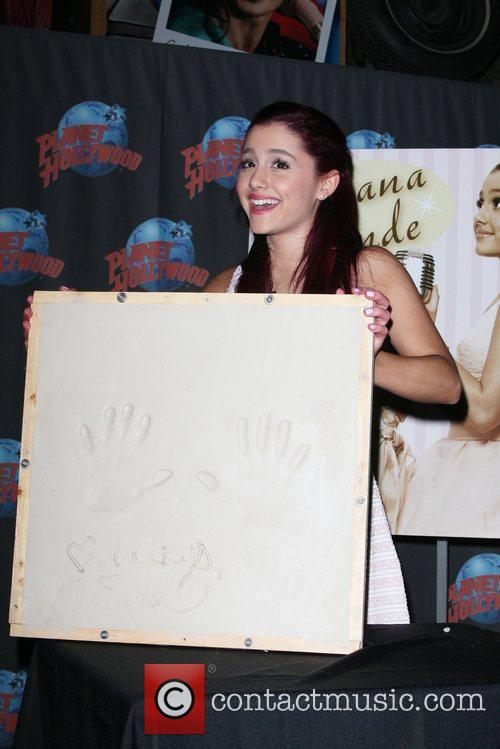 Ariana Grande and Planet Hollywood 1