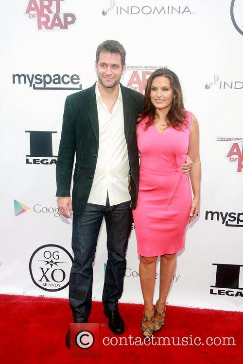 Peter Hermann and Mariska Hargitay 2