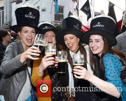 Emma Cummins, Joanne Carolan, Laura Murphy and Laura Cummins 5