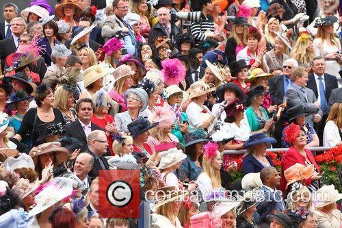 atmosphere royal ascot at ascot racecourse ladies 3956222