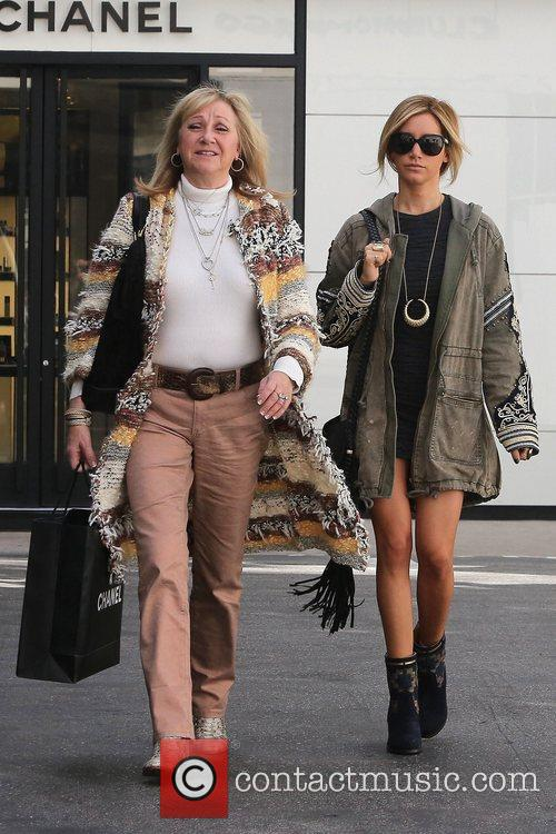 ashley tisdale seen out shopping with her 5967687
