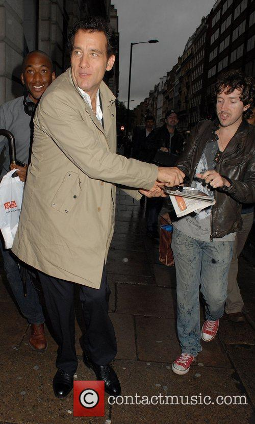 clive owen at the vip launch of 3992815