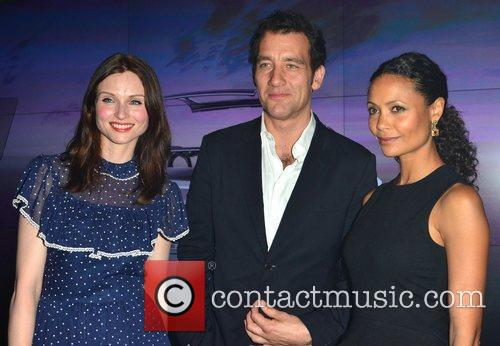 Sophie Ellis-bextor, Clive Owen and Thandie Newton 1