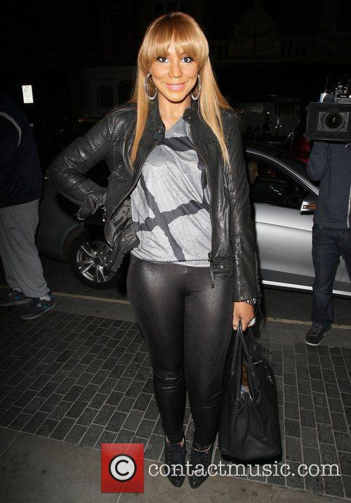 toni braxton arriving at the audley pub 4062349