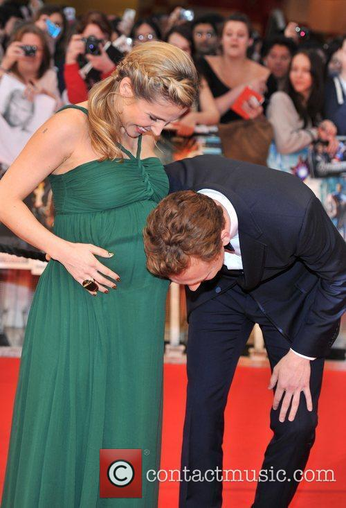 Elsa Pataky and Tom Hiddleston 8