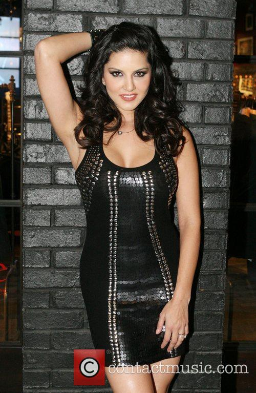 Sunny Leone and Hard Rock Hotel And Casino 3
