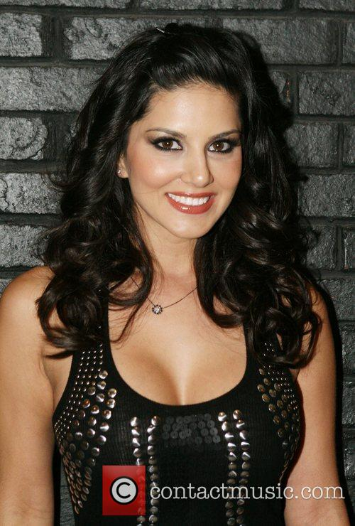 Sunny Leone and Hard Rock Hotel And Casino 6
