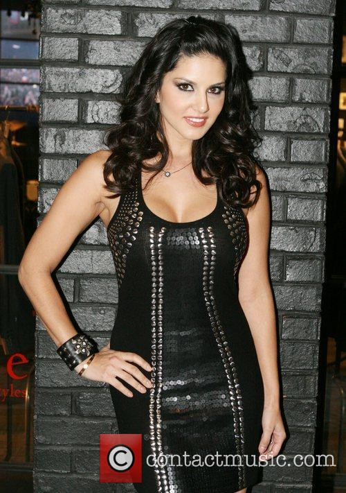 Sunny Leone and Hard Rock Hotel And Casino 8