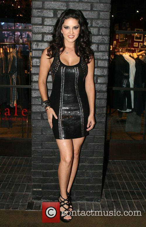 Sunny Leone and Hard Rock Hotel And Casino 9