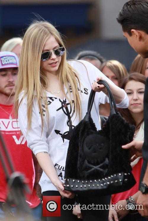 avril lavigne at the grove to appear 5808960