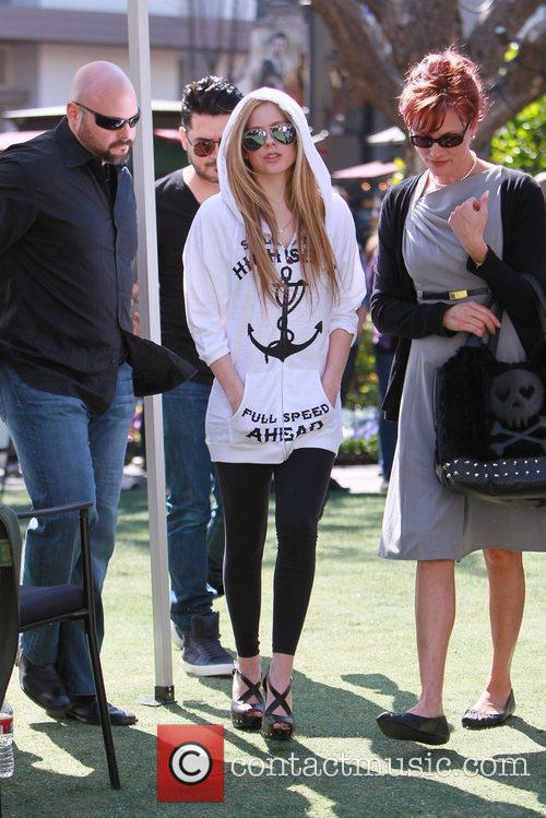 avril lavigne at the grove to appear 5808977