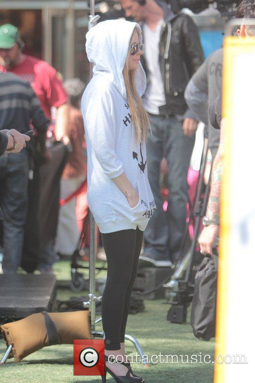 avril lavigne at the grove to appear 5808737