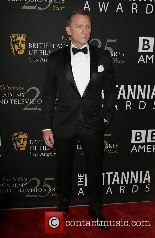Daniel Craig and Beverly Hilton Hotel 4