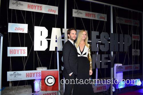 Taylor Kitsch, Brooklyn Decker and Luna Park 4