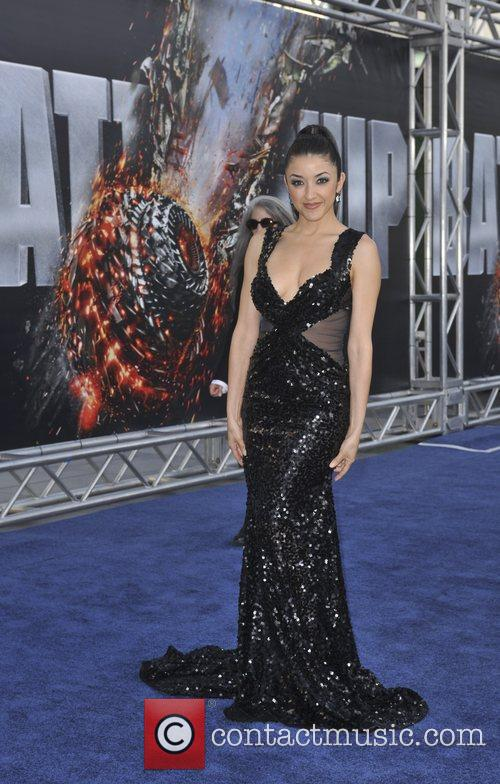 Yvette Yates Battleship premiere at the NOKIA Theatre...
