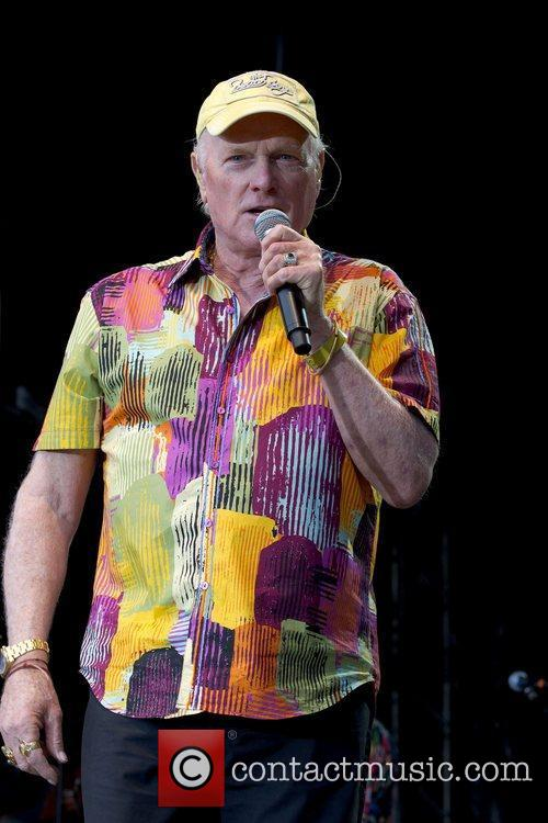 Mike Love and Beach Boys 2