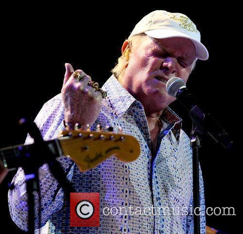 Mike Love and Hard Rock Hotel And Casino 4