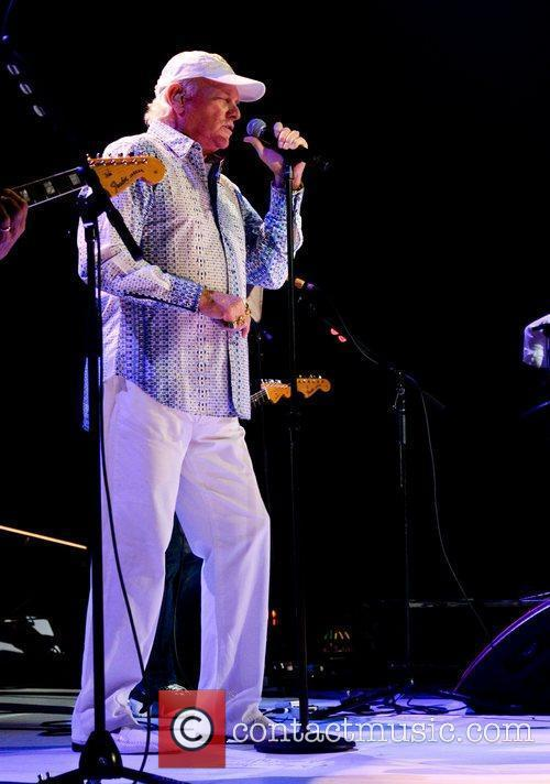 Mike Love and Hard Rock Hotel And Casino 5