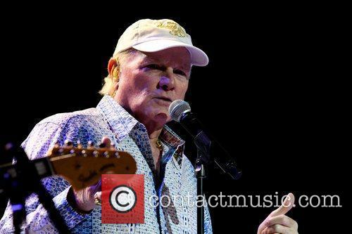 Mike Love and Hard Rock Hotel And Casino 1