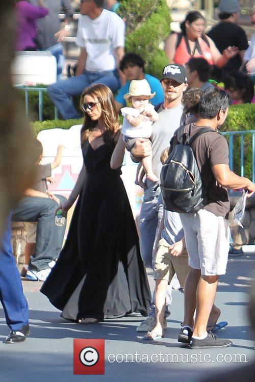 Victoria Beckham, David Beckham and Disneyland 6