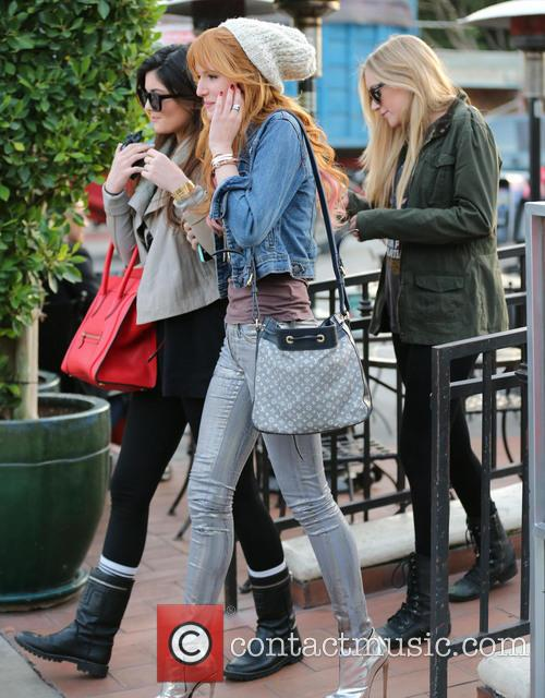 Bella Thorne and Kylie Jenner 8