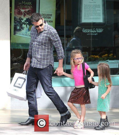Ben Affleck, Violet and Seraphina 11