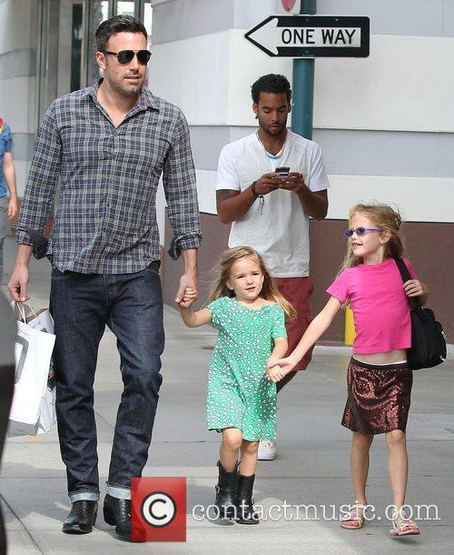 Ben Affleck, Violet and Seraphina 1