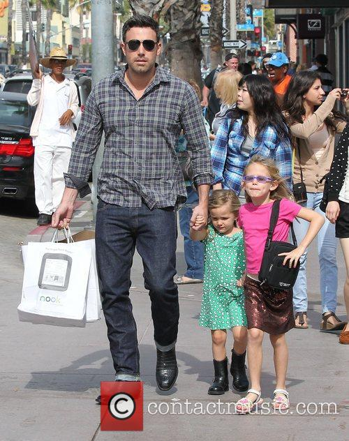 Ben Affleck, Violet and Seraphina 9