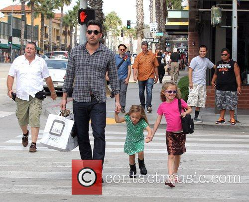 Ben Affleck, Violet and Seraphina 4