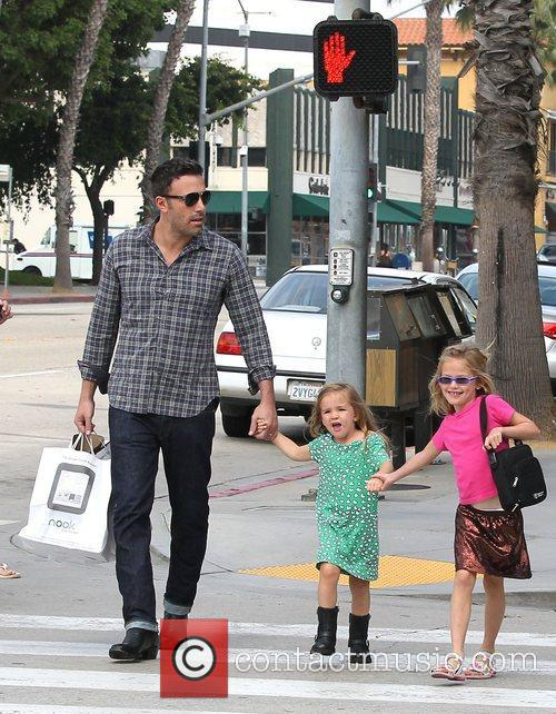 Ben Affleck, Violet and Seraphina 6