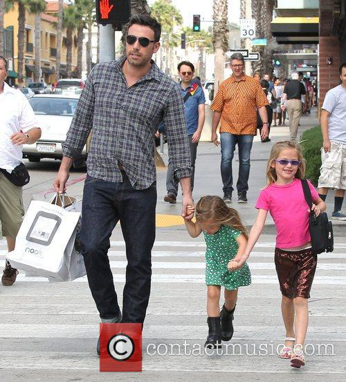Ben Affleck, Violet and Seraphina 10