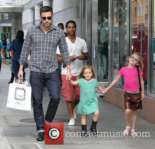 Ben Affleck, Violet and Seraphina 3