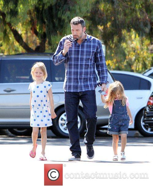 ben affleck with daughters violet affleck and 4029801