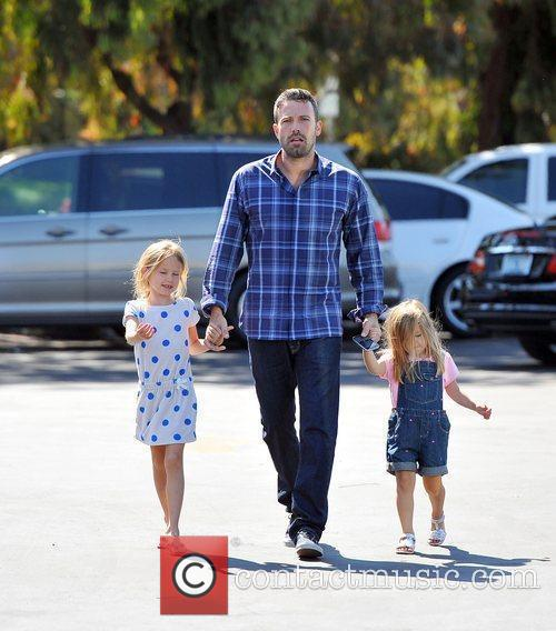 ben affleck with daughters violet affleck and 4029816