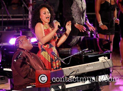 Ele Verner and Stevie Wonder 3