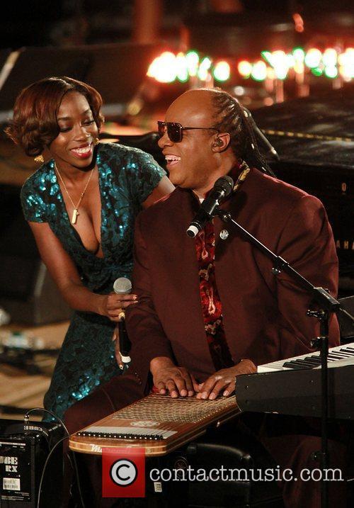 Estelle and Stevie Wonder 3