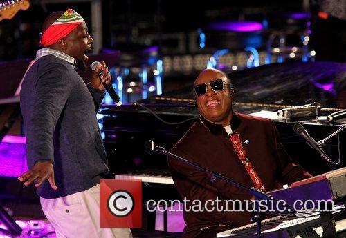 Wyclef Jean and Stevie Wonder 2