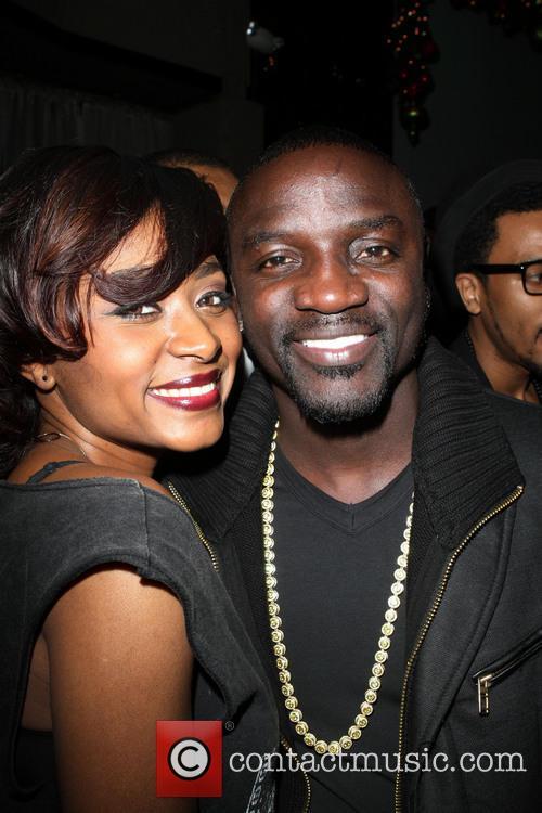Sonyae Elise and Akon 1
