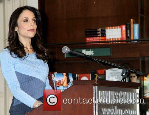 Bethenny Frankel  promotes her new book 'Skinnydipping'...