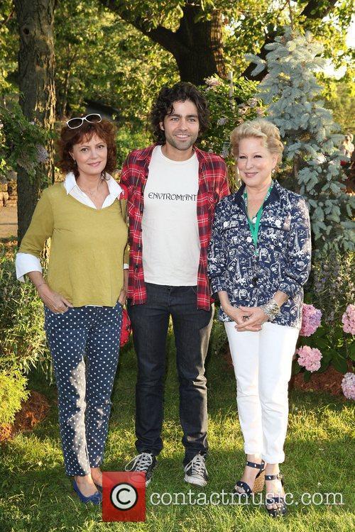 Susan Sarandon, Adrian Grenier and Bette Midler 2