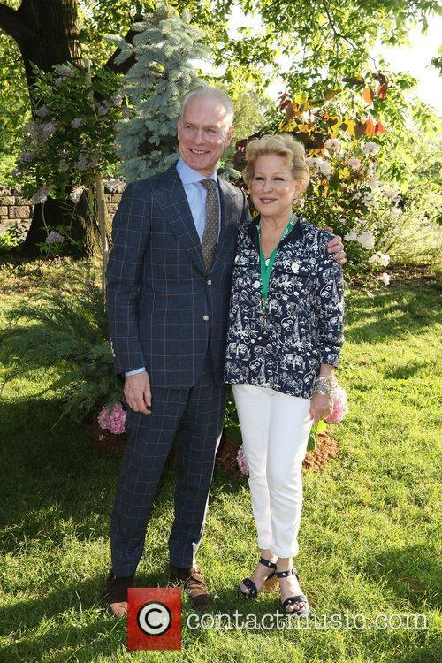 Tim Gunn and Bette Midler 3