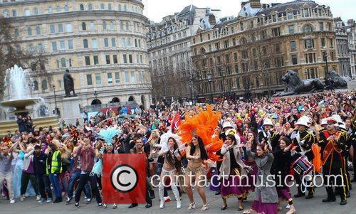 Atmosphere and Trafalgar Square 10