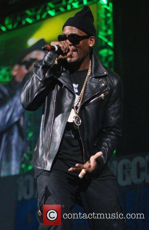 R. Kelly Big Jam 2012 in Chicago Chicago,...
