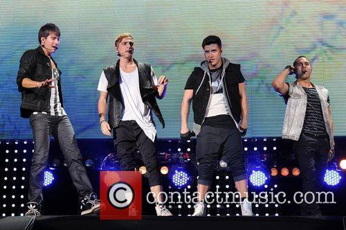 Logan Henderson, Big Time Rush, Carlos Pena and James Maslow 7