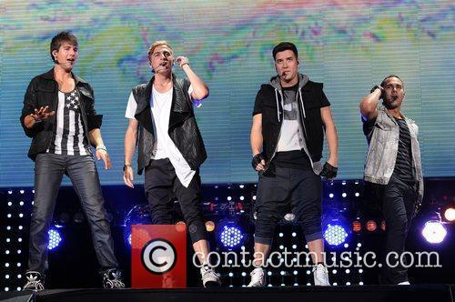 Logan Henderson, Big Time Rush, Carlos Pena and James Maslow 8