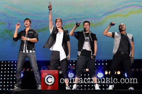 Logan Henderson, Big Time Rush, Carlos Pena and James Maslow 9