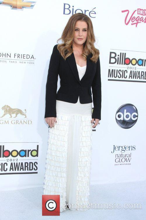 Lisa Marie Presley and Alicia Keys 1